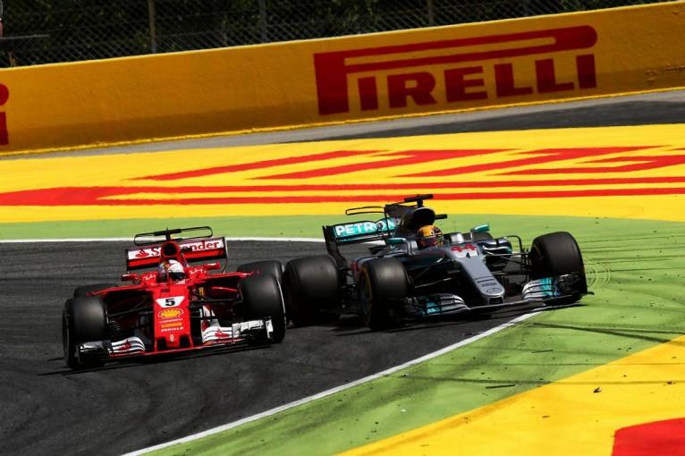 F1   メルセデスとフェラーリの緊迫の66周、F1スペインGPで見たレースの本質【今宮純の視点】