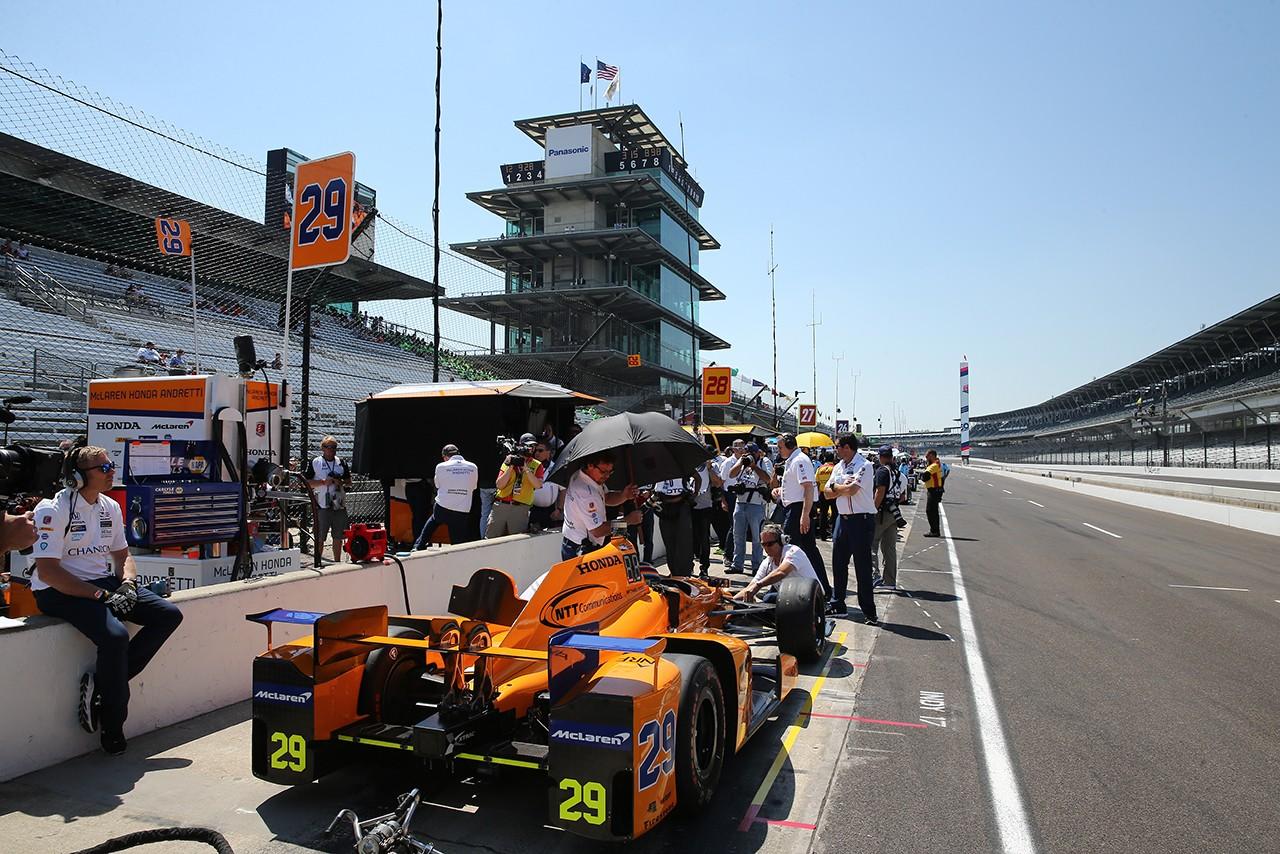 第101回インディ500が開幕。琢磨は10番手発進、アロンソは初日に50周を走行