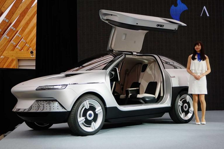 クルマ | 旭化成が自動車産業に本格参入。京大発EVベンチャー、GLMと新世代コンセプトカーを開発