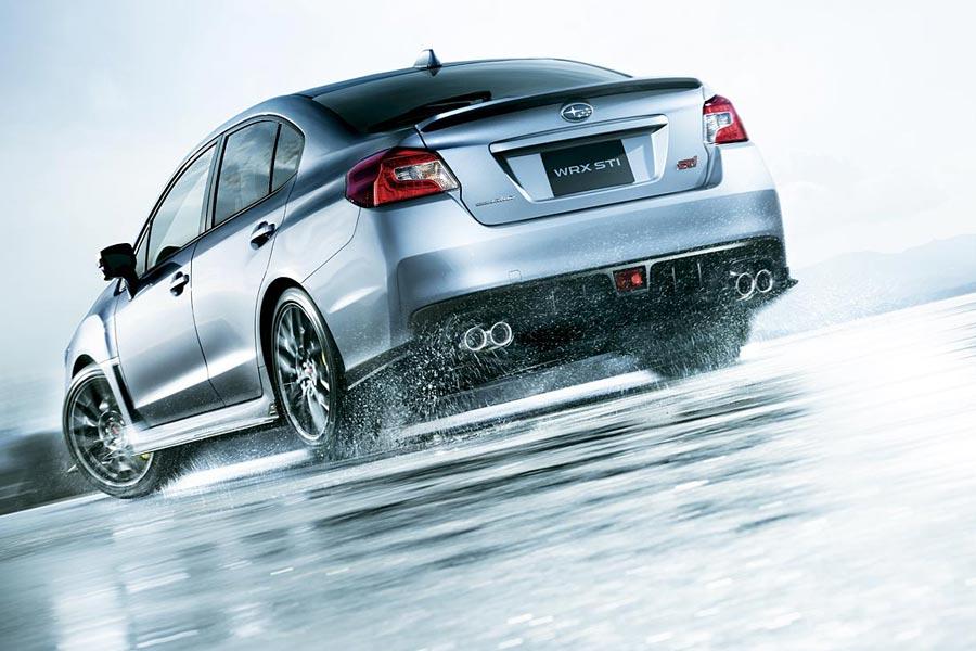 スバル、ハンドリング性能を高めた改良型『WRX STI』を発表。6月20日発売