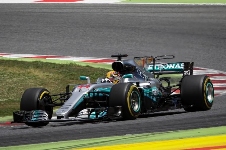 F1 | ハミルトン、今季のメルセデスF1マシンの難しさを認める。「暴れ馬のようだが嫌いではない」