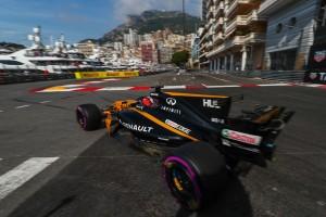 2017年F1モナコGPでルノーはTウイングを導入