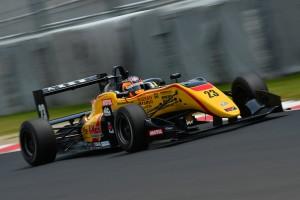 全日本F3第8戦のポールポジションを獲得した高星明誠(B-MAX NDDP F3)