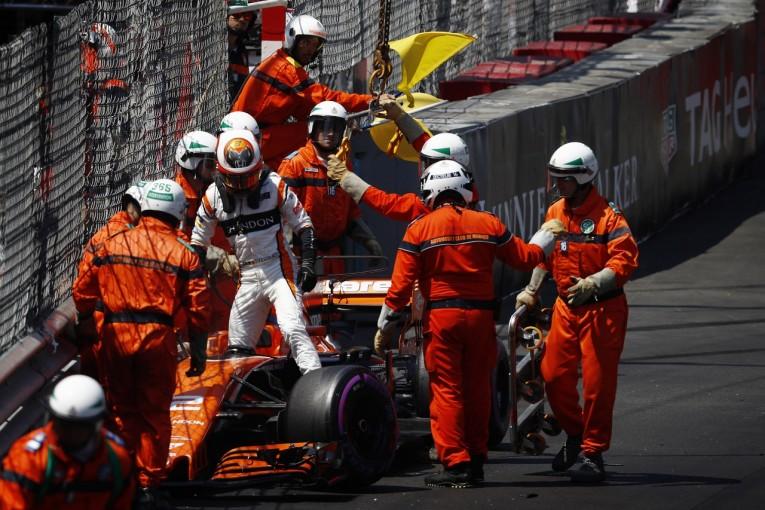 F1   バンドーン「攻めた結果のクラッシュ。初のQ3進出は進歩の証し」:マクラーレン・ホンダ F1モナコ土曜