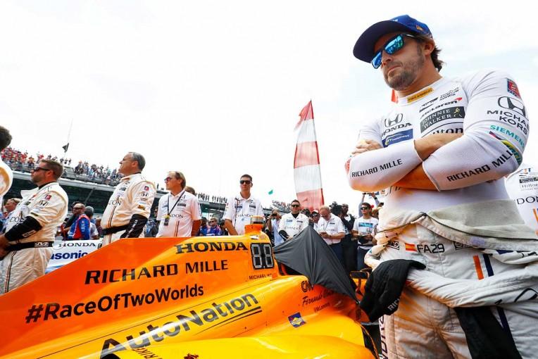 F1 | 「最後の2周はサトウが勝つよう祈っていた」。アロンソ、インディ初挑戦はトラブルに泣く