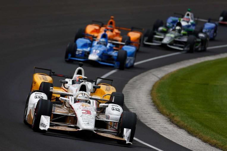 海外レース他 | エリオ・カストロネベス、佐藤琢磨に届かず自身3度目の2位。最多記録に並ぶ