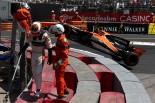 2017年F1第6戦モナコGP ストフェル・バンドーン(マクラーレン・ホンダ)がクラッシュ
