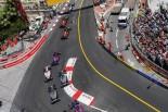 2017年F1第6戦モナコGP スタート直後のロマン・グロージャンとケビン・マグヌッセン(ハース)