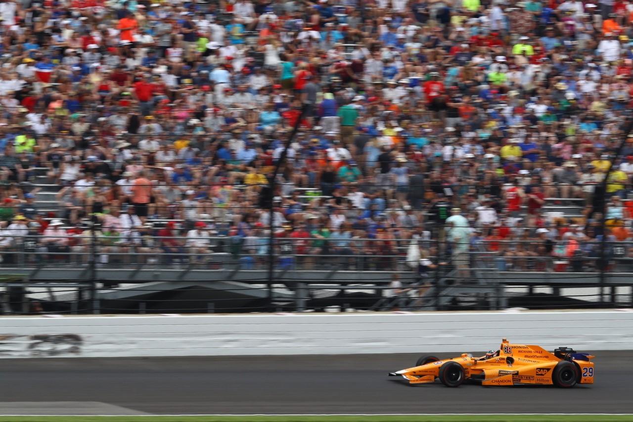 【アロンソ密着インディ】F1王者の実力を見せたアロンソ「素晴らしいレースのフィーリングを感じた」