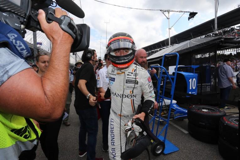 F1 | 【アロンソ密着インディ】F1王者の実力を見せたアロンソ「素晴らしいレースのフィーリングを感じた」