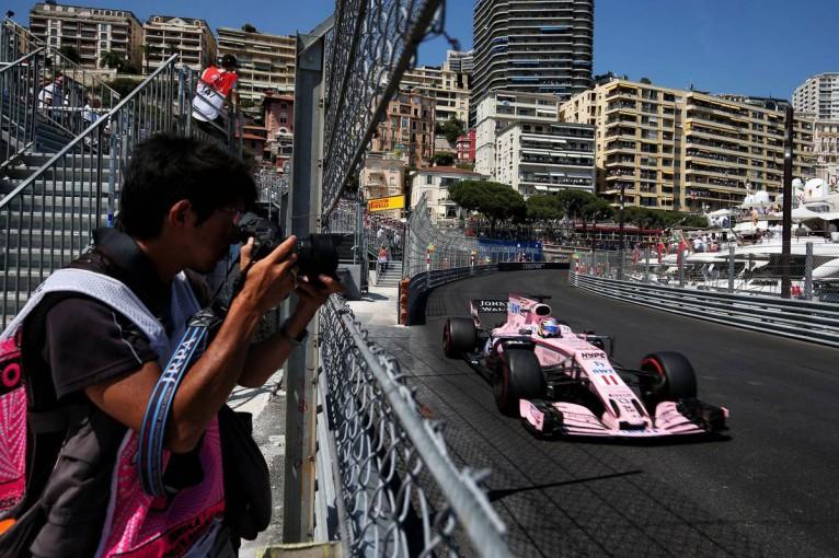F1 | ペレス「ダニールが十分なスペースを与えてくれず接触してしまった」:Fインディア F1モナコ日曜