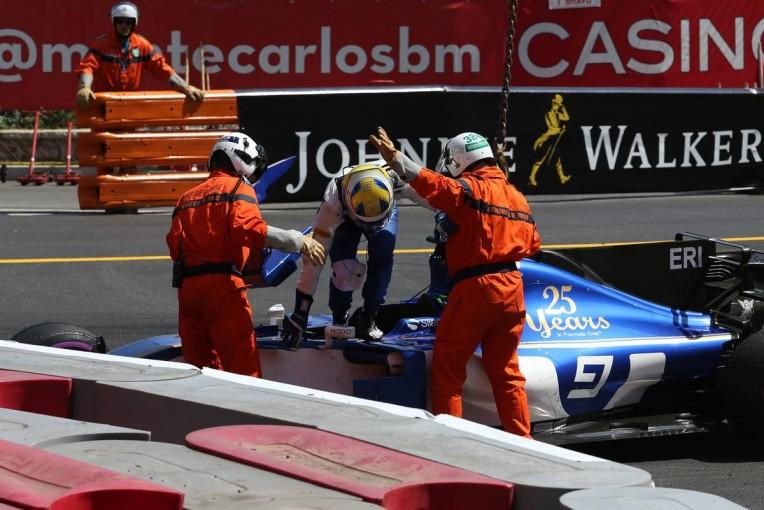 F1   エリクソン、F1モナコGPでのクラッシュは「ブレーキの問題とタイヤの冷え」が原因と説明
