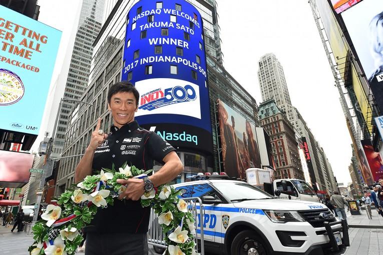 海外レース他 | インディ500制覇の佐藤琢磨、ニューヨークで多忙なスケジュールを送る