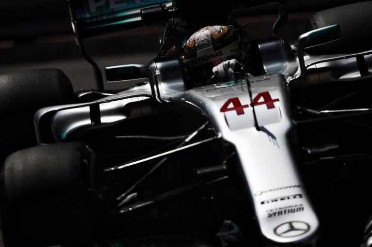 F1   F1カナダGPでは「独自アップデートを投入してフェラーリに対抗する」とハミルトン