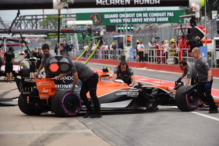 F1 | バンドーンのトラブルは現在調査中「すべて順調だったが最後に問題発生」マクラーレン・ホンダ F1金曜