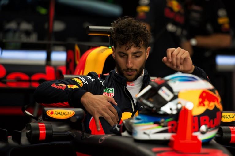 F1   リカルド「エンジントラブルで時間を失ったが、明日挽回できるはず」:レッドブル F1カナダ金曜