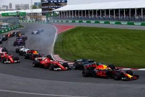 F1カナダGP決勝 スタートで4番手まで順位を落としてしまったセバスチャン・ベッテル