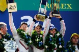 優勝を飾った2号車ポルシェ919ハイブリッド(ティモ・ベルンハルト/アール・バンバー/ブレンドン・ハートレー)