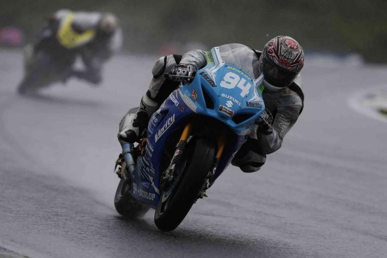 MotoGP | ヘビーウエットで予選は大荒れ。浦本がJSB初ポール獲得/全日本ロード第5戦オートポリス予選
