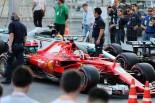 2017年F1第8戦アゼルバイジャンGPで激突したベッテルとハミルトン