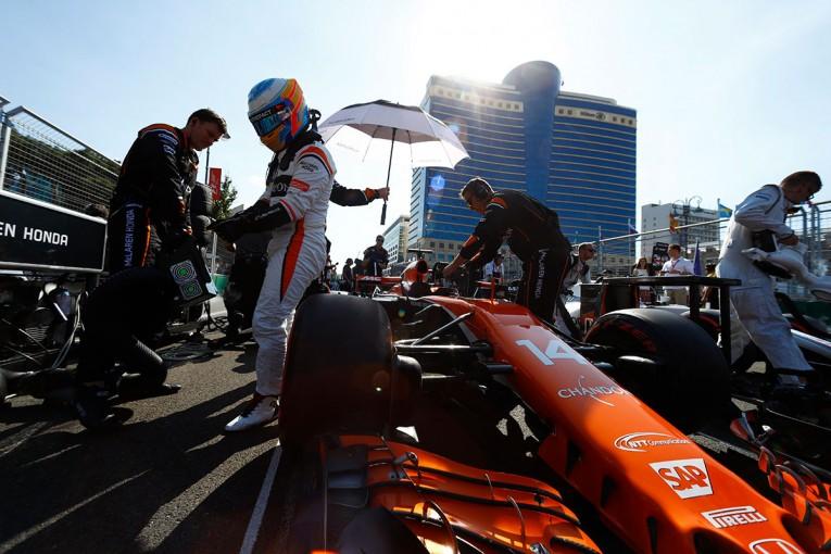F1 | 【F1アゼルバイジャンGP無線レビュー】9位走行中にタイムアタックを敢行したアロンソのプライド