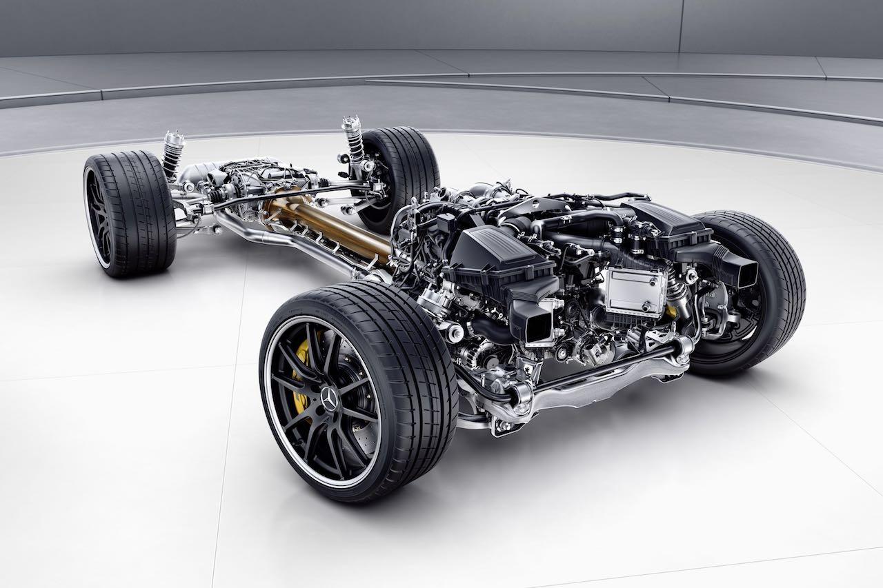 公道走行可能なレーシングモデル、4輪操舵採用の『メルセデスAMG・GT R』発売