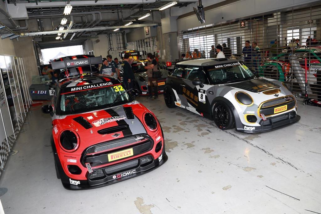 イギリス発のワンメイクレース『MINI CHALLENGE』が日本上陸。富士でエキシビション開催