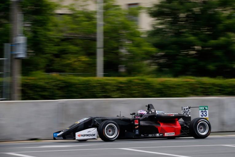 海外レース他 | 佐藤万璃音、F3ノリスリンクで入賞を逃す。「上位入賞期待もはかない夢に終わった」