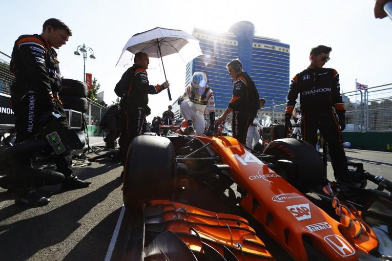 F1 | F1パワーユニット交換による降格ペナルティに批判の声。「ドライバーが罰を受けるなんてばかげている」