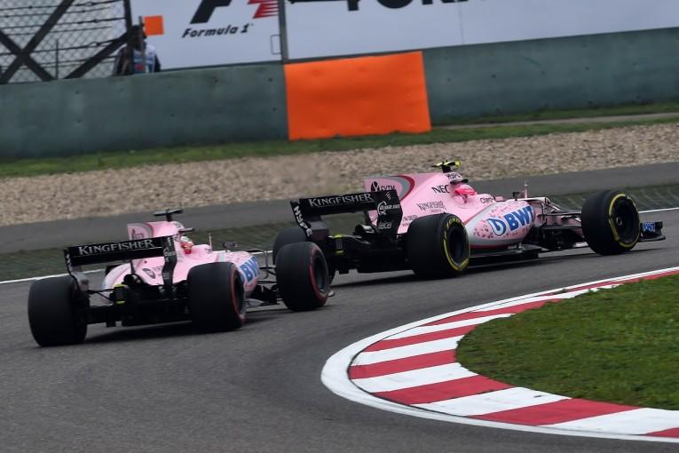 F1   オコンがペレスの苦言に反論「同士討ちの責任は50対50。僕だけが悪いんじゃない」