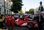 F1 | イギリスGP直前にロンドン市街地でF1デモ走行。大規模イベントに全10チームの参加が発表