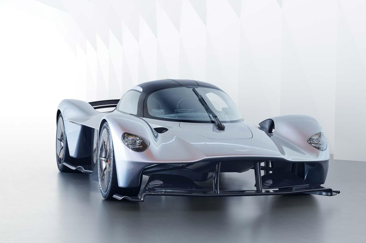 アストンマーチンのハイパーカー『バルキリー』最新デザイン発表。インテリアも初公開