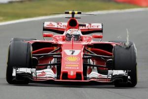 2017年F1第10戦イギリスGP 決勝終盤、キミ・ライコネン(フェラーリ)のタイヤにトラブル発生