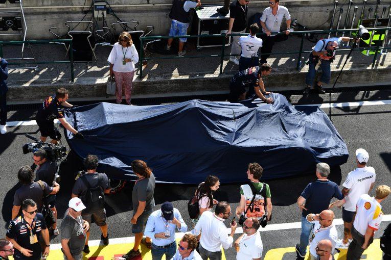 F1 | レッドブルF1代表、フェルスタッペンの謝罪を受け入れ。同士討ちによるリカルドとの関係悪化を否定