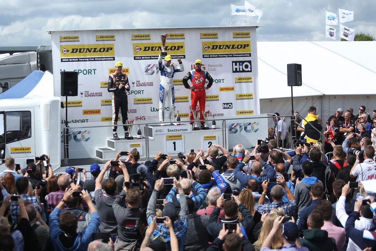 BTCC:スバル・レヴォーグ2連勝も、ホンダ・シビックが奇跡の選手権首位奪還