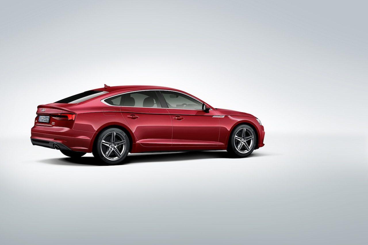 『アウディA5スポーツバック』に、省燃費性能に優れる前輪駆動モデルが登場
