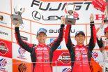 2位表彰台を獲得したロニー・クインタレッリ、松田次生組 2017スーパーGT第5戦富士