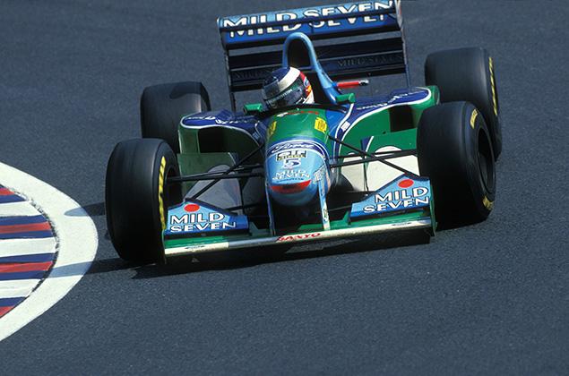F1   ミハエル・シューマッハーのベネトンで息子ミックが走る。F1ベルギーGPのイベントを前に練習走行