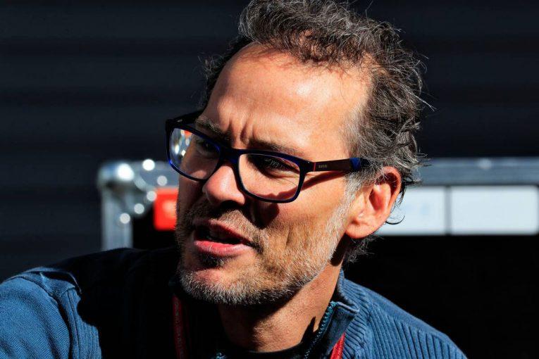 F1   F1 Topic:ルーキーを酷評した元世界チャンピオンのビルヌーブ、ウイリアムズから出入り禁止に
