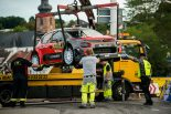 レッカー車に載せられるミークのシトロエンC3 WRC