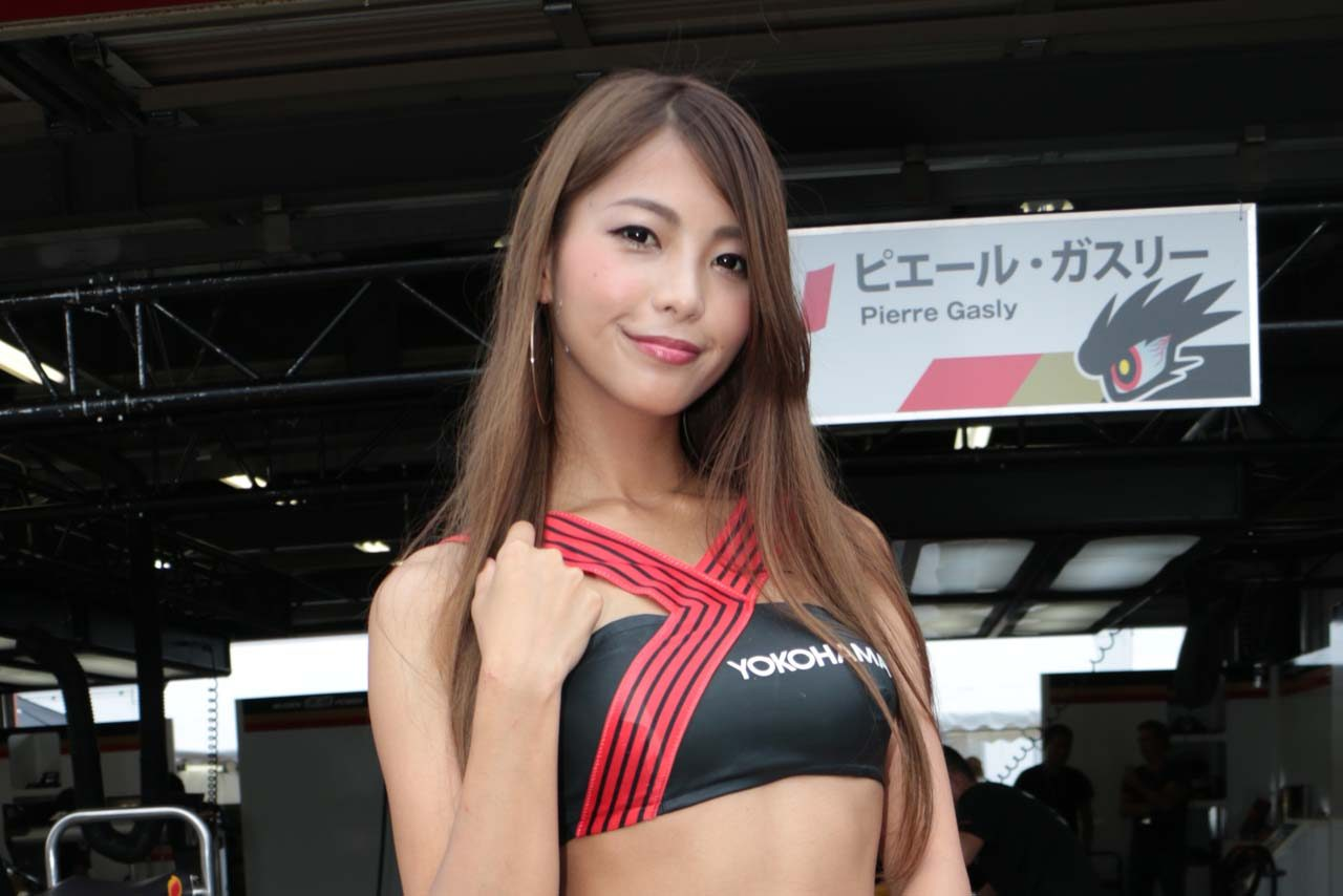 YOKOHAMA promotional models 宮本あかり
