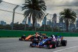 F1   「アロンソとのバトルから学べるなんてF1ドライバーとして最高の環境」とサインツJr.