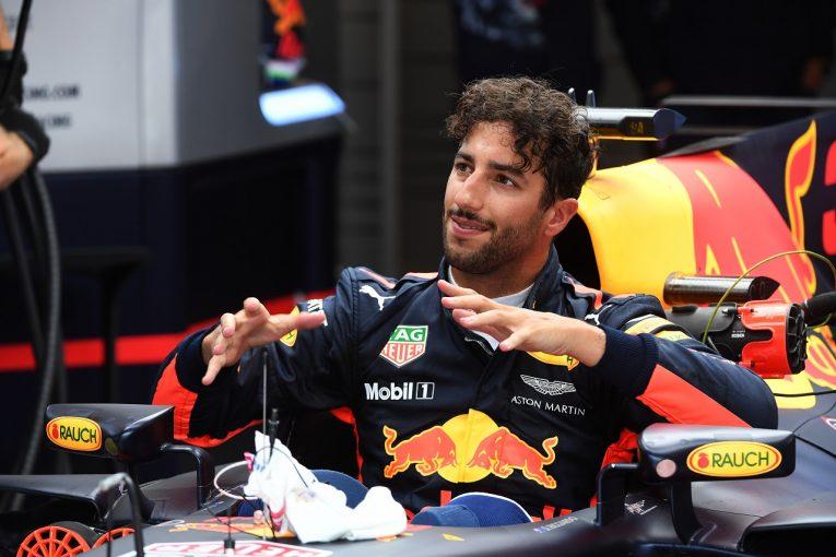 F1   リカルド「F3マシンみたいに遅かった! アグレッシブなセットアップが失敗」レッドブル F1ベルギーGP金曜