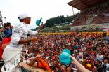 F1 | フェラーリ不利説を覆すベッテルの好走も、熱戦を制したハミルトンに軍配【今宮純の視点】
