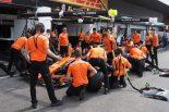モタスポブログ | マクラーレンスタッフがオレンジ色のTシャツを着ていたワケ@F1第12戦ベルギーGP 現地情報2回目