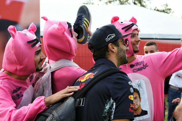 F1   リカルド「後方スタートが決まっているから、オーバーテイクを楽しむしかない!」レッドブルF1イタリア金曜