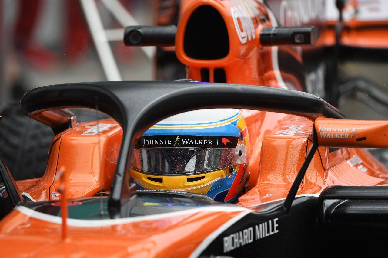 2017年F1第15戦マレーシアGP フェルナンド・アロンソ(マクラーレン・ホンダ)がハロのテスト