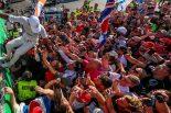 F1 | ハミルトンが勝利の定理を完全証明、レーシング魂を貫いたレッドブルのふたり【今宮純の視点】