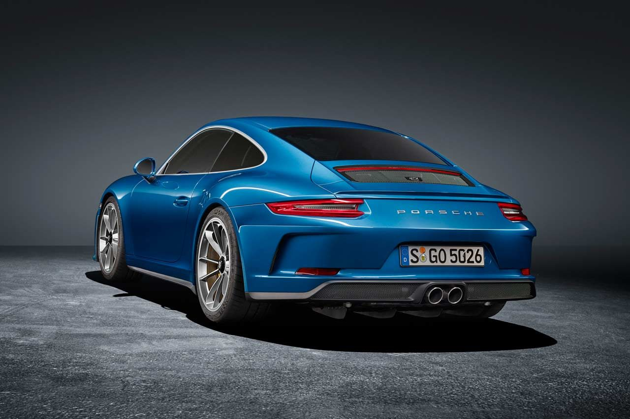 控えめな外装を纏う真のスポーツカー。ポルシェ、『911 GT3ツーリングパッケージ』発表