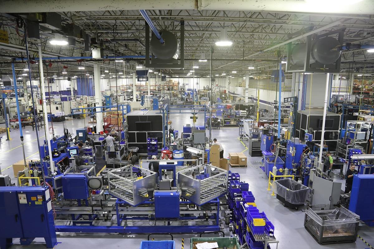 ボルグワーナー社の工場内   ボルグワーナーが生み出すインディカー ...